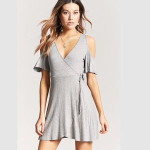 $8💋New Large Heather Grey Ribbed Mock Wrap Dress